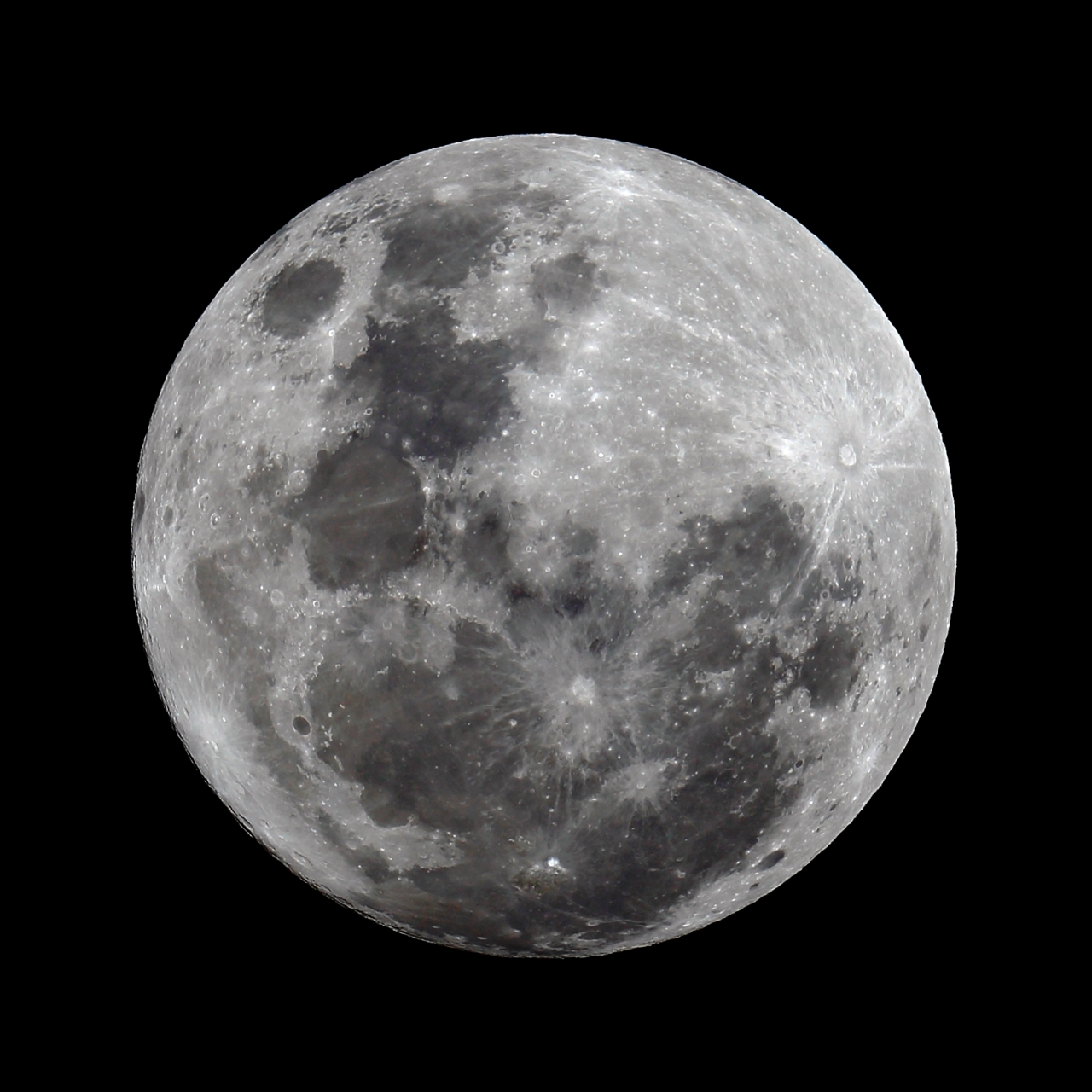 244-supermoon-full-moon-viewed-from-cleveland-14-november-2016-comp-wr